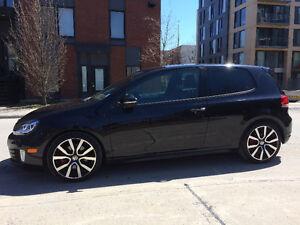 2013 Volkswagen Golf GTI noire 3 portes