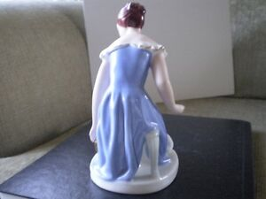 Royal Dux Porcelain Figurine - Bohemia Lady Kitchener / Waterloo Kitchener Area image 3