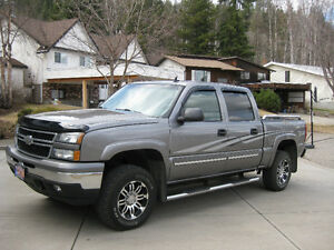 2006 Chevrolet Silverado 1500 SLT/GFX Pickup Truck