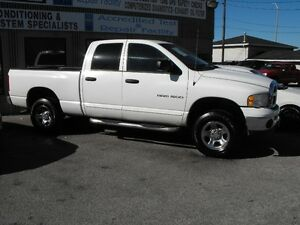 2005 DODGE RAM SLT 4 DOOR 4X4  LOADED  SAFETIED  R.BOARDS