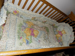 CLASSIC POOH CRIB BEDDING SET- MINT CONDITION