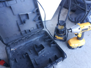 Kit perceuse percussion 18v dewalt defect