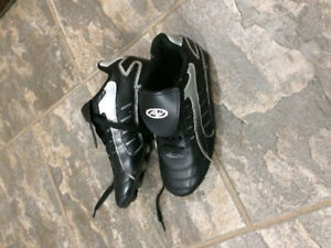 Athletic Works Soccer Shoes Size 2