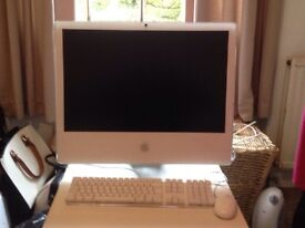 Apple iMac 24inch for spares and Parts with working keyboard, remote and mouse