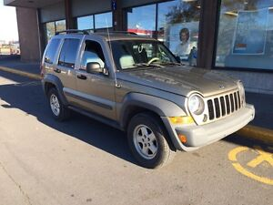 Jeep liberty 3.7  NEGOCIABLE