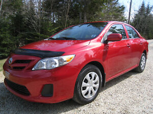 2012 Toyota Corolla LOADED - 1 Female Owner - CarProof Clean