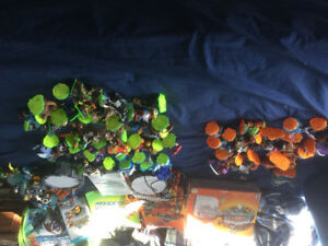 Skylanders.   Giants,  Spyros Adventure,  portals, figures, game