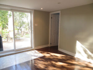 $1300: Renovated, Bright, Walk-out 1 BR Basement Apartment