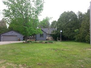 Fergus Bungalow on private lot for rent!