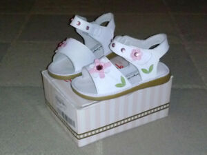 White sandals 100% Leather size 11.
