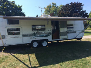 28 feet Wildwood travel trailer bunk house