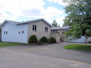 Luxury Thunder Bay House on 2 Acres of Land