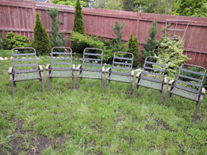 Set of 6 patio chairs.