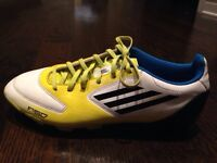 *** SOULIERS SOCCER ADIDAS F50 TAILE 8 ***