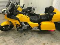 1988 - HONDA GOLDWING GL1200 ONLY 15K MILES - WILL BE SOLD WITH NEW MOT