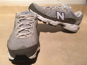 Women's New Balance AT Abzorb608 Running Shoes Size 7 London Ontario image 1