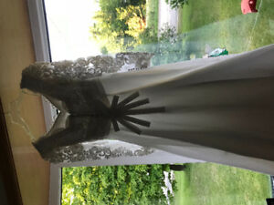 Beautiful Wedding dress size small