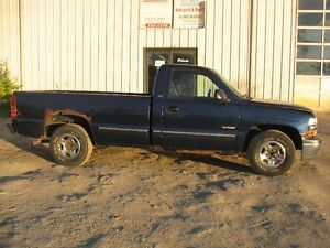 PARTING OUT   2000 CHEVY SILVERADO   AA0792 Windsor Region Ontario image 2