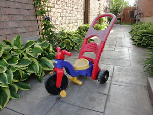 Pair of Toddlers Ride On Trike- One with a parent Handle Kitchener / Waterloo Kitchener Area image 6