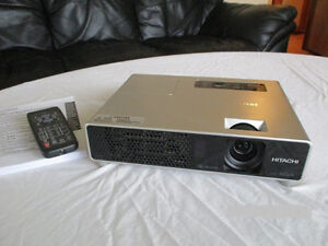 Hitachi CPX5 Digital Multimedia Projector