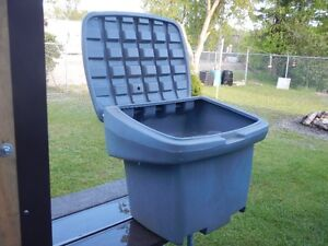Poly Storage Bin With Hinged Lid
