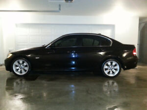 2006 BMW 330XI - AWD - PREMIUM SPORTS PACKAGE - MANUAL