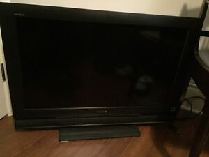 Sony Bravia 32 inch flat screen tv with remote Kingston Kingston Area image 1