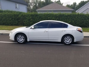 Very clean 2009 Nissan Altima 2.5S