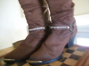 Boots. Western ladies. Suede size 9