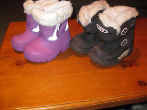 Winter boots for 2-3 year-old (blue, lavender, brown available)