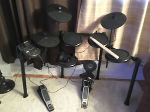 Alesis DM7X Drums electronic complete set