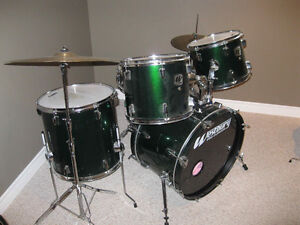 Full Set of Westbury drums and Dream cymbals.