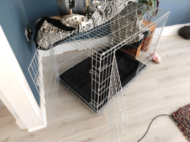 Large dog crate / cage with liner