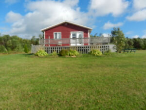 Large cottage just minutes from Cavendish!!!