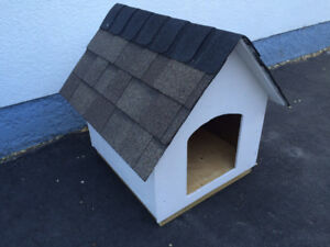 NEW  CLASSIC  DOGHOUSE   $75 NET