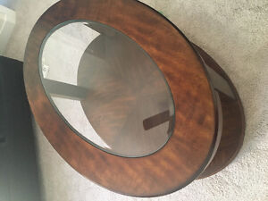 Coffee Table, 2 End Tables, 2 Lamps