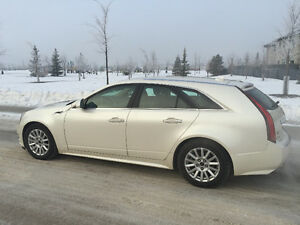 FOR SALE BEAUTIFUL WHITE PEARL 2010 Cadillac CTS Wagon