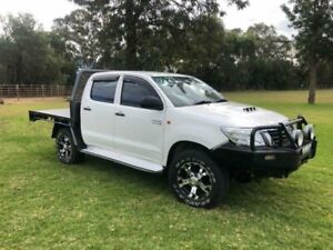 2013 Toyota Hilux KUN26R MY12 SR (4x4) White 5 Speed Manual Dual Cab Chassis Coonamble Coonamble Area Preview