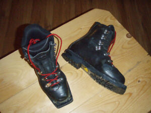 Ski boots for sale: 3 pins Asolo Extreme size 39