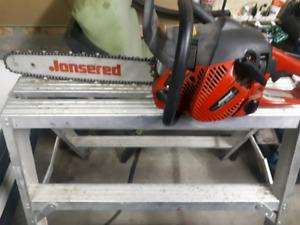 Like new Jonsered40.9cc 16 inch Gas Chainsaw, CS2240