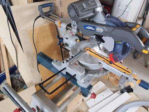 10in Double bevel Mitre saw / Scie à onglets + BOSCH stand