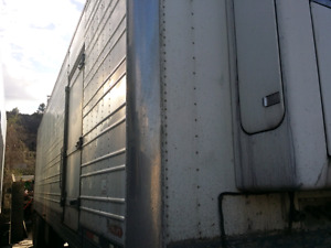 33' Reefer Trailer with Railgate