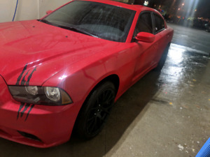 2013 dodge charger mint condition (no accident)