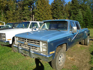 1986 Chevrolet Silverado 3500 1 ton 4x4 dually pick up truck