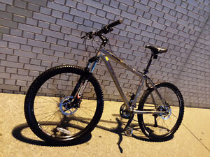 Rockymountain,MARZOCCHI,like b new,Hydraulick brake,EXCELLENT Kitchener / Waterloo Kitchener Area image 10