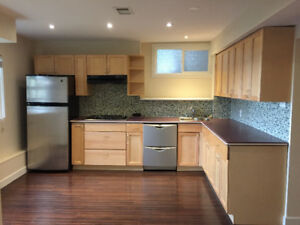 Beautiful Large 1 BR Suite in North Van - Canyon Heights