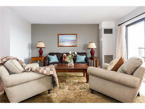 Stunning 3 bedroom 2 full bath Sandy Hill apartment avail Oct 15