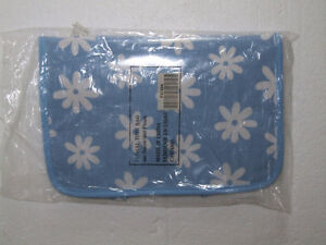 Brand new women's blue floral printed toiletries travel bag London Ontario image 2