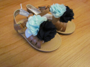 BNWT Old Navy toddler girl sandals size 6