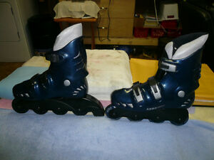 Men's Aero Roller Blades (Size 9) with Knee/Elbow Pads